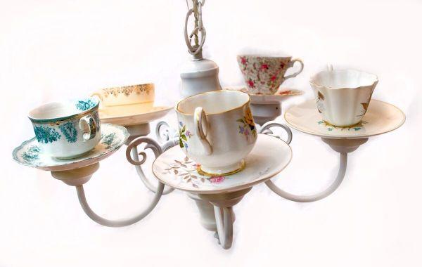 service à thé idée diy lustre à partirde la vaisselle ancienne
