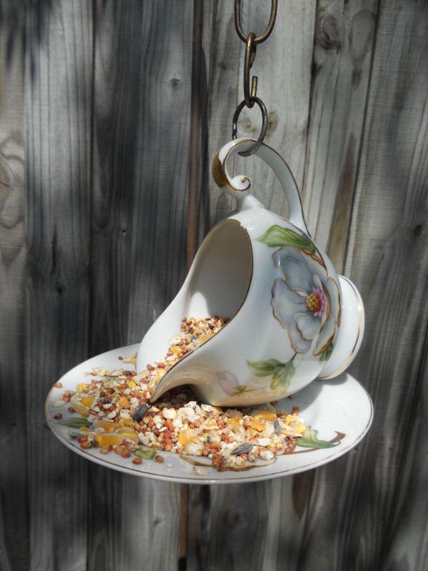 théière et assiette vaisselle ancienne idée comment recycler