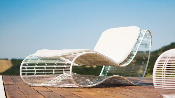 transat jardin en fils de métal chaise longue tendance pour l'été 2020