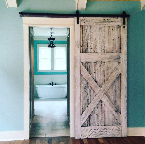 vintage porte de grange coulissante salle de bains