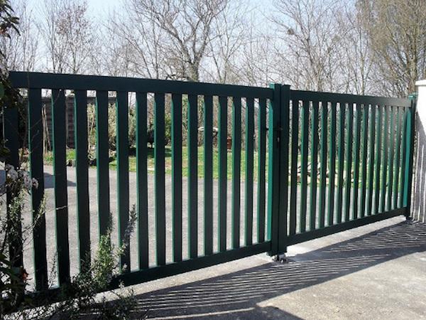 modèles de portail maison en aluminium pour votre maison, exemple portail ajuré design simple