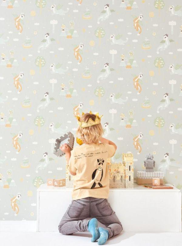 exemple papier peint chambre enfant gris clair à motif dragons et chateau, idée décoration chambre garcon originale